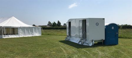 Luxury loo hire for weddings